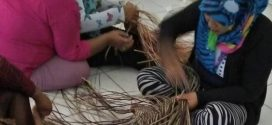 Disperindag Latih 30 Ibu Rumah Tangga Membuat Anyam Rotan