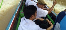 Reses DPRD ke Kelurahan Danau Tundai Gunakan Kelotok