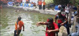 Dirlantas Polda Kalteng Diceburkan ke Kolam Tanda Perpisahan