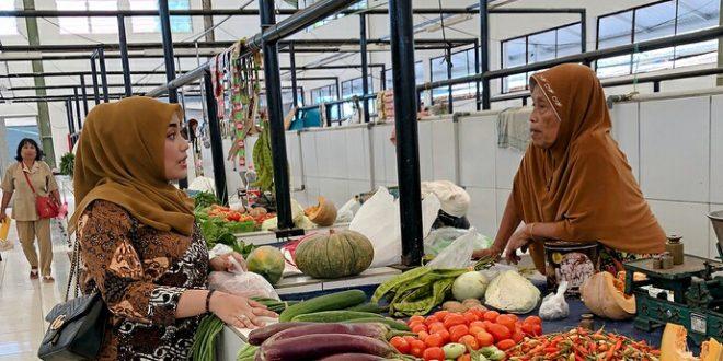 Pedagang Pasar Tangkiling Palangka Raya Perlu Ditata