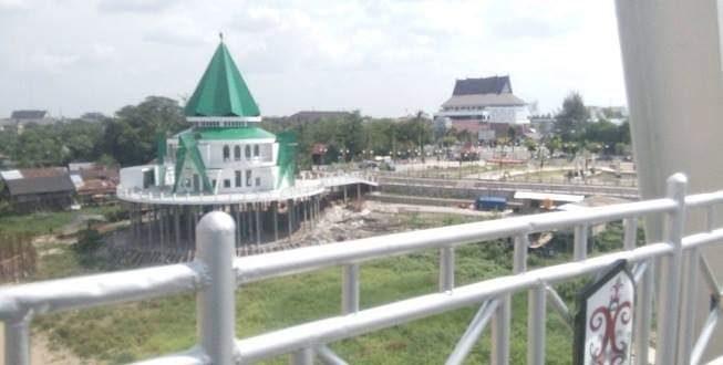 Taman Pasuk Kameloh Dilengkapi Masjid Mewah