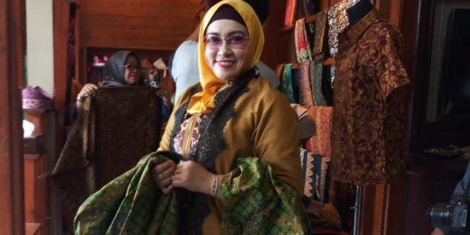 Perajin Batik Palangka Raya Diminta Terus Berinovasi