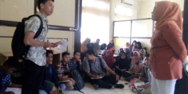 Siswa Muhammadiyah Praktek Lapangan Belajar Koperasi