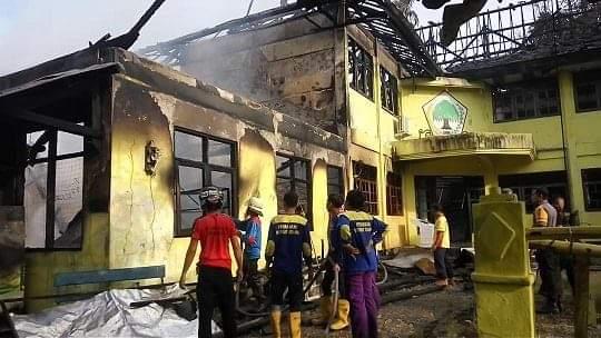 Kantor DPD Partai Golkar Kota Palangka Raya Terbakar