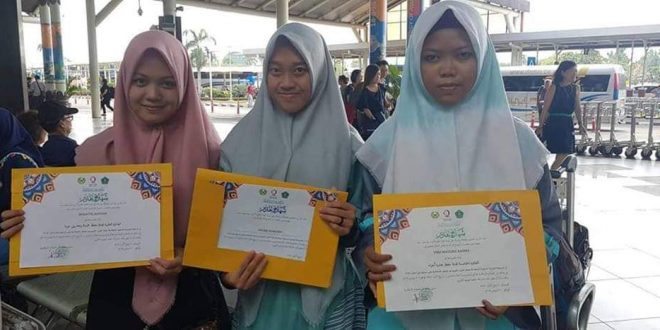 Dua Santriwati Palangka Raya Juara MTQ Tingkat Asean