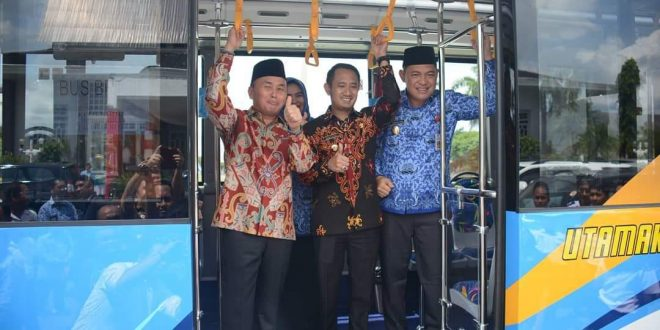 Bantuan 5 Unit Bus Dari Kemenhub Telah Diterima Pemko Palangka Raya