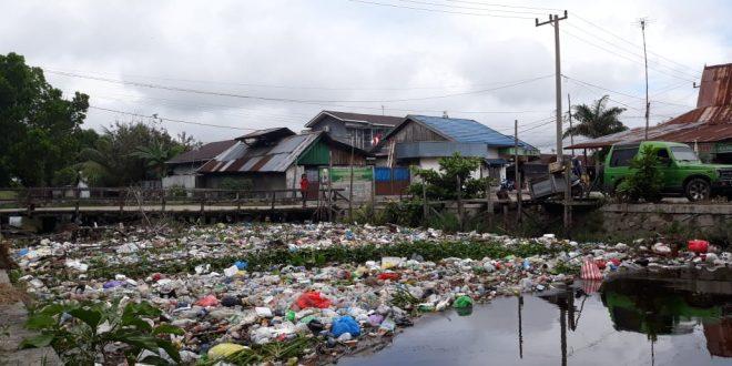 Walikota Fairid Perintahkan Dinas Terkait Bersihkan Tumpukan Sampah di Pangaringan