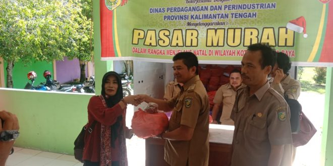 Disperindag Salurkan 250 Paket Sembako Murah di Bukit Tunggal