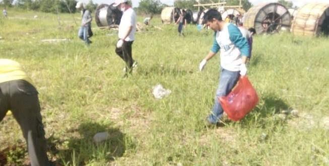 Aksi Pungut Sampah Oleh Anak Panti Asuhan Ayah Bunda