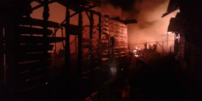 Puluhan Bangunan di Jalan Murjani Terbakar