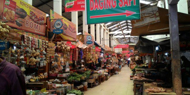 Awasi Penarikan Retribusi di Pasar