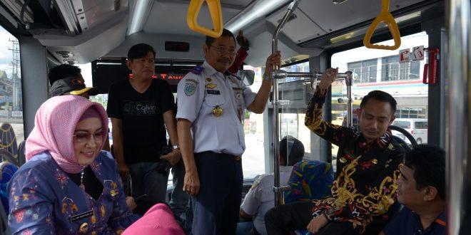 Walikota Uji Coba Kelayakan dan Kenyamanan Bus Rapid Transit