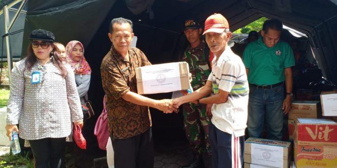 Universitas PGRI Palangka Raya Beri Bantuan Korban Kebakaran