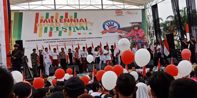 Meriahnya 'Road Safety Festival', Dihadiri Ribuan Millenial