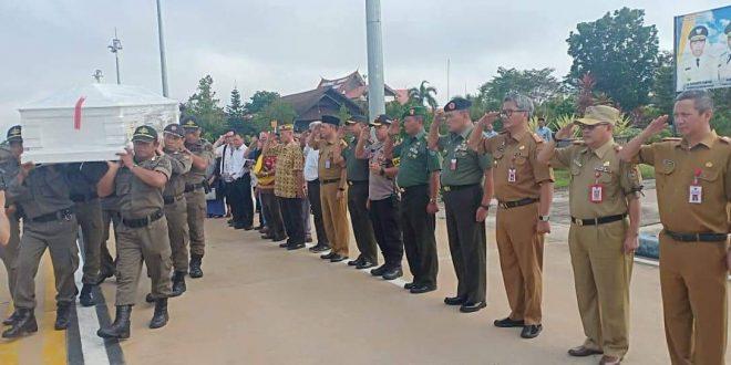 Reinout Sylvanus Akan Dimakamkan di Taman Makam Pahlawan Sanaman Lampang