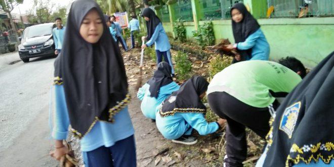 SMP Muhammadiyah Kota Palangka Raya Mulai Berbenah Untuk Menjadi Sekolah Adiwiyata
