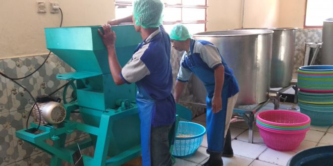 Fairid Naparin meresmikan Rumah Produksi Tempe Asli H.B