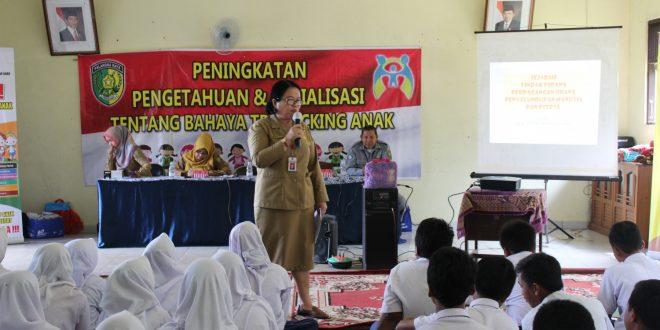 Sosialisasi Bahaya Trafficking Anak di SMPN 4 Palangka Raya
