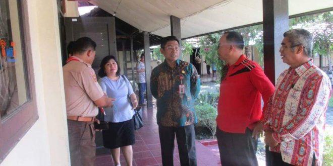 Pantau USBNBK, Kadisdik Kalteng Ingatkan Sekolah Untuk Berintegritas