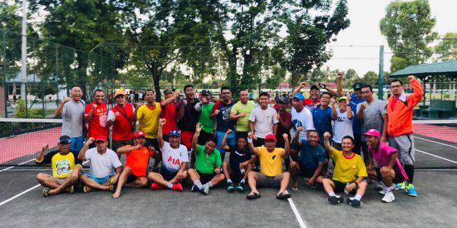 Antusiasme Peserta Tenis Persahabatan
