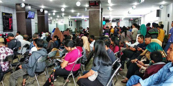 Menjelang Idulfitri Banking Hall BRI Palangka Raya Dipadati Nasabah