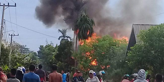 Rumah Warga Manduhara Terbakar