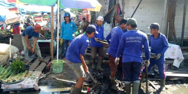 Genangan Air di Pasar Besar Palangka Raya Kembali Dikeluhkan