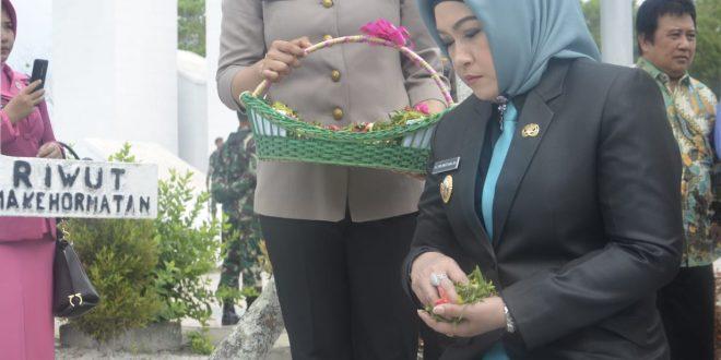 Tabur Bunga Dalam Rangka HUT Bhayangkara
