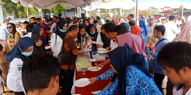 """Pesta Rakyat Hari Jadi """"Kota Cantik"""", Ribuan Makanan Gratis Ludes Sekejap"""