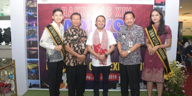 Sambut Peserta Rakernas APEKSI XIV Tahun 2019 di Bandara Ahmad Yani Semarang