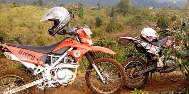 Motor Trail Plat Hitam Bantu Tugas Tangani Karhutla