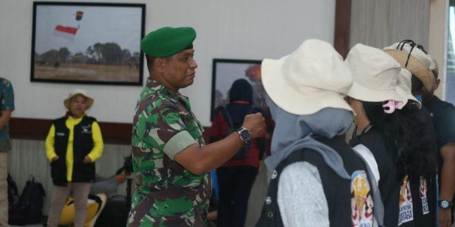 Siswa Mengenal Nusantara (SMN) Sumatera Selatan Sambangi Batalyon Antang