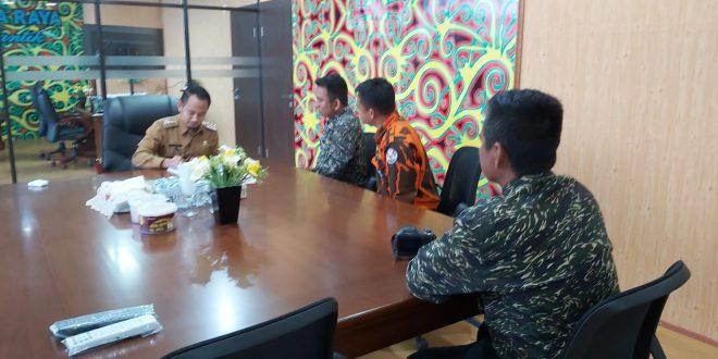 Walikota Palangka Raya Bertemu Dengan 3 Pejalan Kaki Tuna Rungu