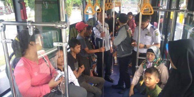 Gara-Gara Kabut Asap, Penumpang BRT Sepi