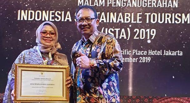 Kota Palangka Raya Terima Penganugerahan Indonesia Sustainable Tourism Awards (ISTA)
