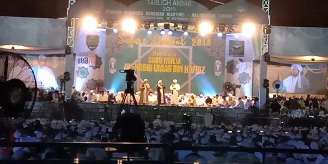 Ribuan Jamaah Ikuti Tabligh Akbar Bersama Al Habib Umar bin Hafidz