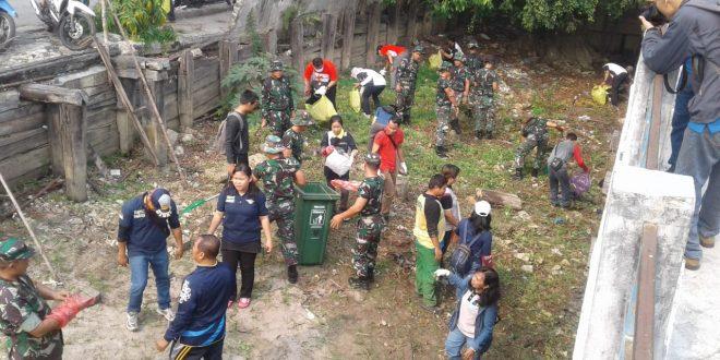 Menuju Adipura Pemko Kerja Bakti bersama TNI/Polri dan ASN Kota Palangka Raya