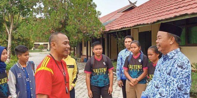 Tim PraPON Sepakbola Putri Kalteng Bergabung Belajar di Beberapa SMAN
