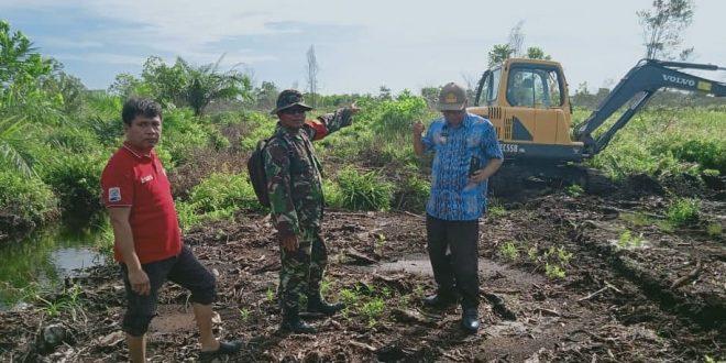 Babinsa dan Lurah Kereng Bangkirai Mediasi Sengketa Tanah
