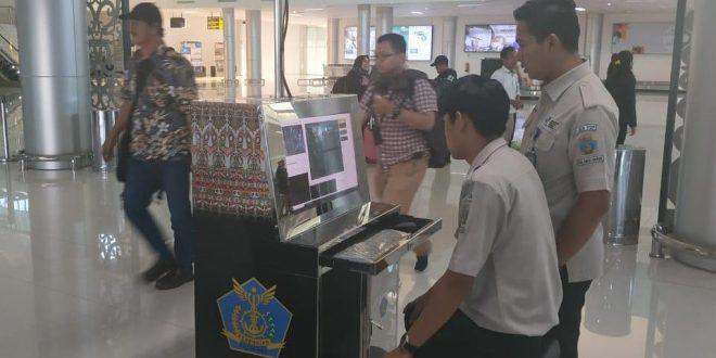 KKP Tjilik Riwut Pantau Kedatangan Penumpang untuk Cegah Virus Corona