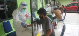 Puluhan Warga di Pasar Besar Ikut Rapid Test