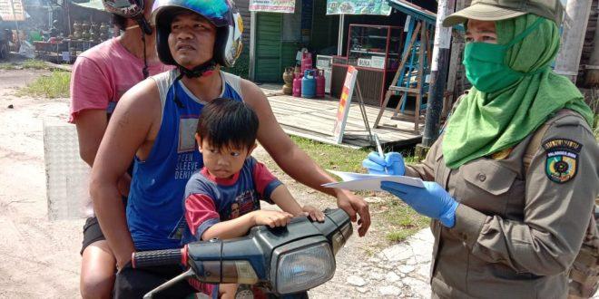 Razia Masker untuk Meningkatkan Kedisiplinan Warga
