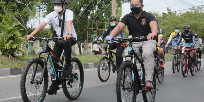 Jaga Kebugaran dengan Bersepeda1