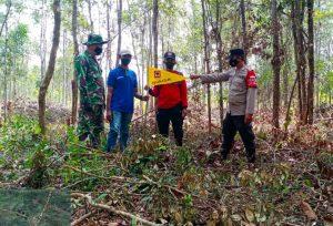 Patroli Potensi Titik Api, Bhabinkamtibmas Polsek Bukit Batu Tandai Lahan Rawan Karhutla